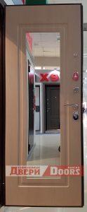 Входные двери с зеркалом для частного и загородного дома, коттеджа